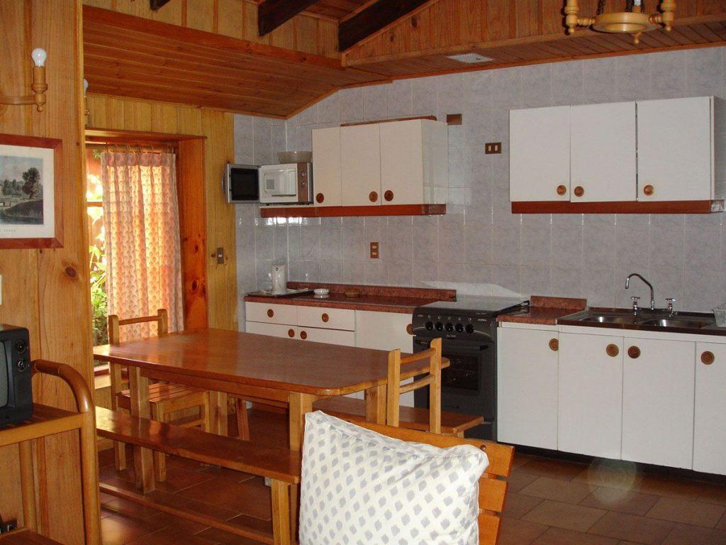 Increíble País Insular Cocina De La Cabaña Motivo - Como Decorar la ...